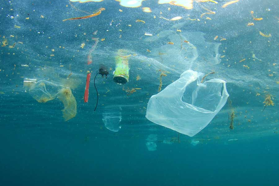 bigstock Plastic pollution in ocean 168613901