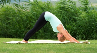6 Yoga Poses to Aid Digestion