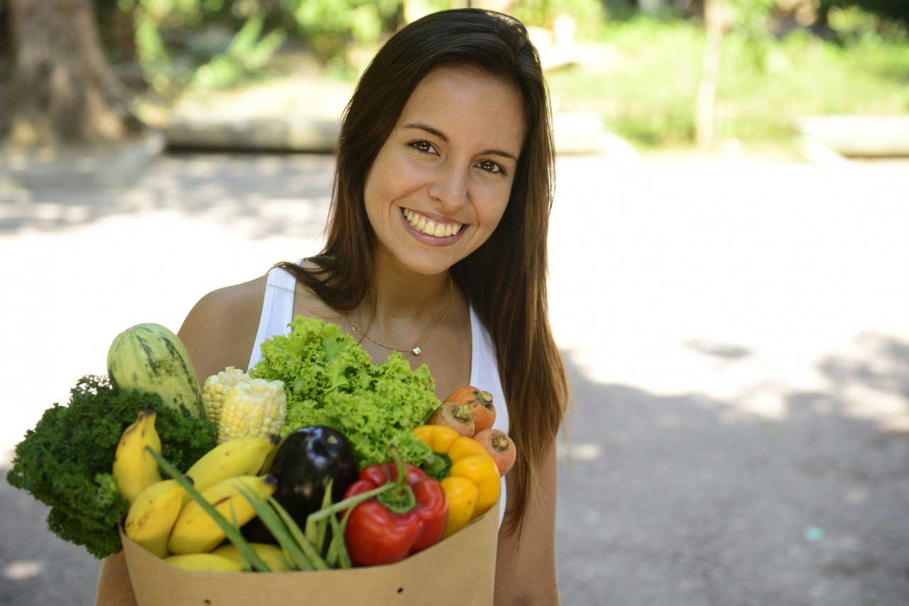 10 Tips To Eat Raw, Vegan And Healthy On A Budget