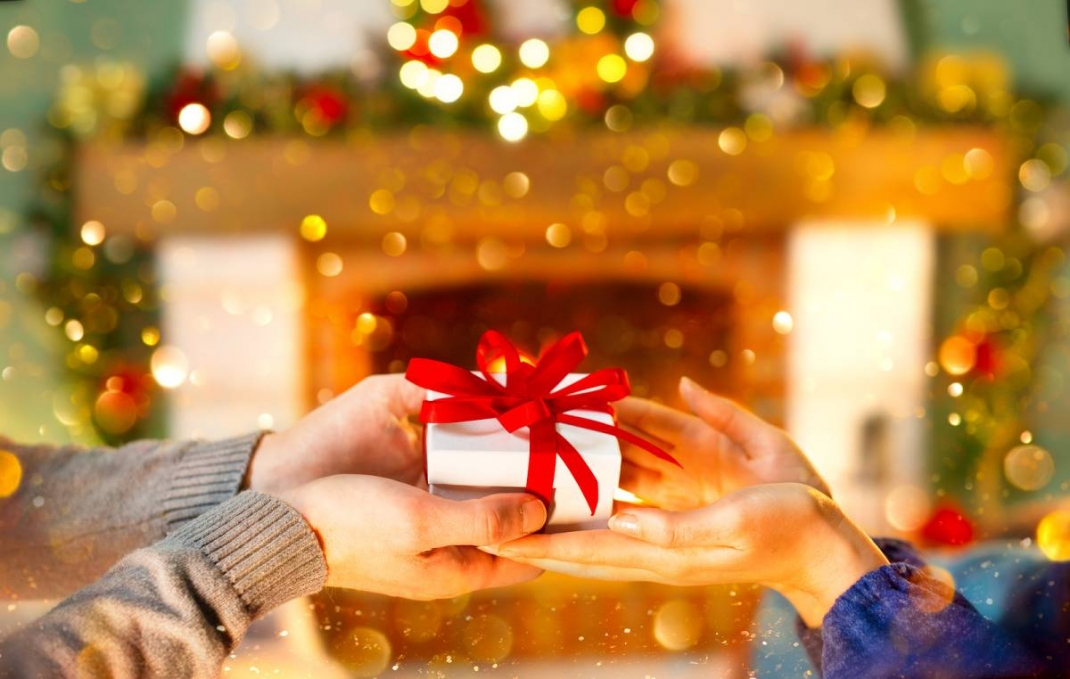 6 Mindful Gift Ideas For The Holidays