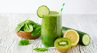 2 Ways To Make A Green Smoothie If You Don't Have A Blender