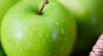 The Digestive Health Benefits of Apples