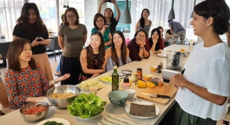 "A Cooking Demo With Marissa Parry In Collaboration With Thriven's  ""Thrive to Fit"" Wellness Campaign"