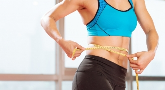 Banish Your Bulge! 4 Moves To Shape Your Waist