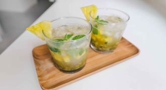 Tropical Pegaga Cooler with Mint, Pineapple & Kiwi