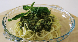 Raw Spaghetti with Pesto (VIDEO)