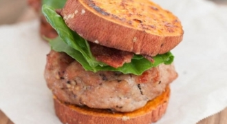 5 Breadless Burger Recipes For National Sandwich Day!