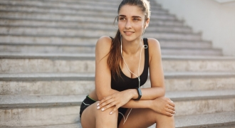 Tunes You Should Be Listening To While You Workout To Boost Your Mood