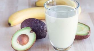 Avocado & Honey Smoothie Recipe