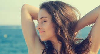 4 Natural Ways to Lighten the Underarms
