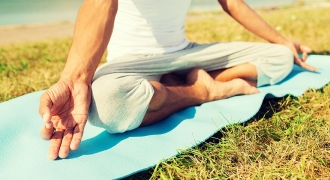 3 Fears That (Should Not) Stop Men From Practising Yoga