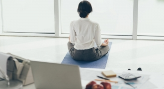 Office Yoga – 5 Yoga-Inspired Moves You Can Do At Your Desk