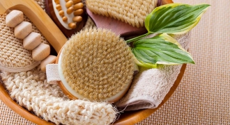 Can Dry Brushing Renew Your Skin & Reduce Signs of Ageing?