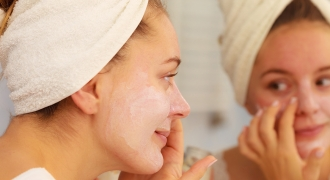 7 Skincare Habits Every Woman Should Endorse
