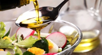 What's Cooking? How To Choose and Use Healthy Oils