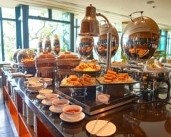 Another Buffet! 5 Tips to Not Overeat