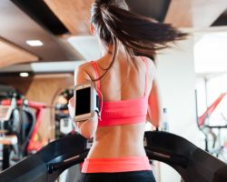 Nine Gym Habits That Are Damaging To Your Skin