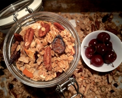 Christmas Fruitcake Breakfast Granola