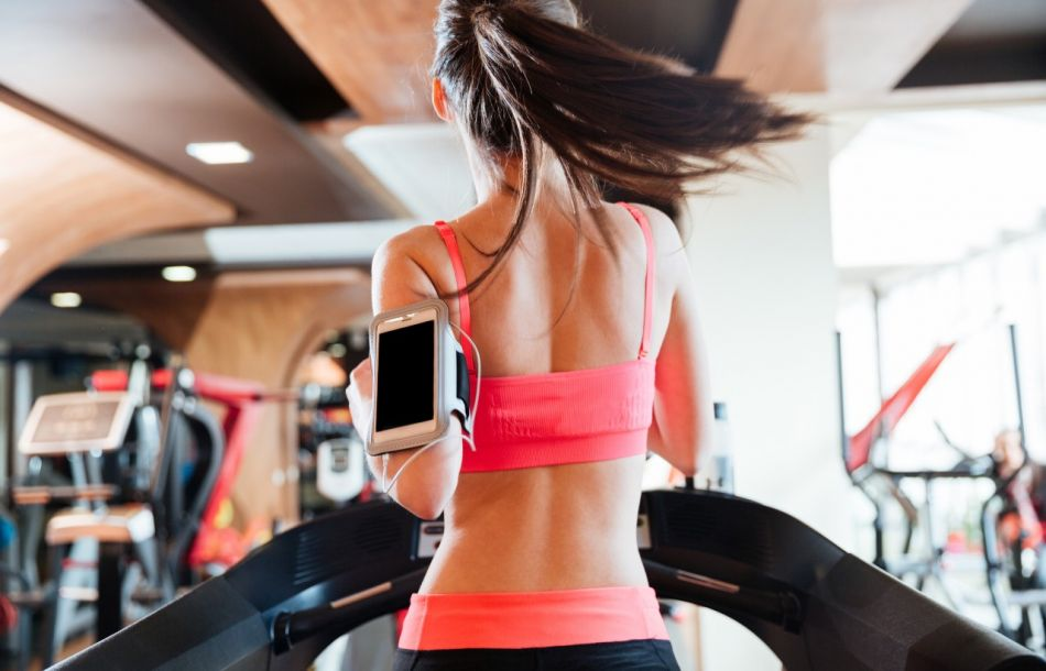 9 Gym Habits That Are Damaging To Your Skin