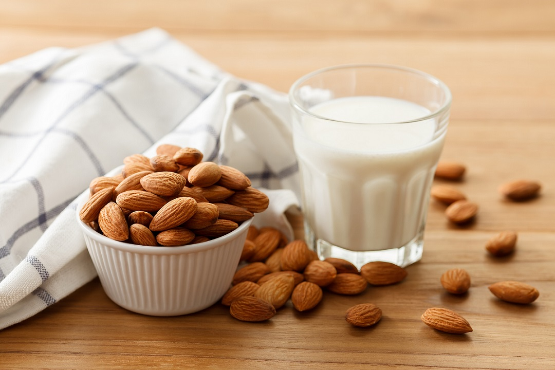 How To Make Almond Milk - A Step-by-Step Guide