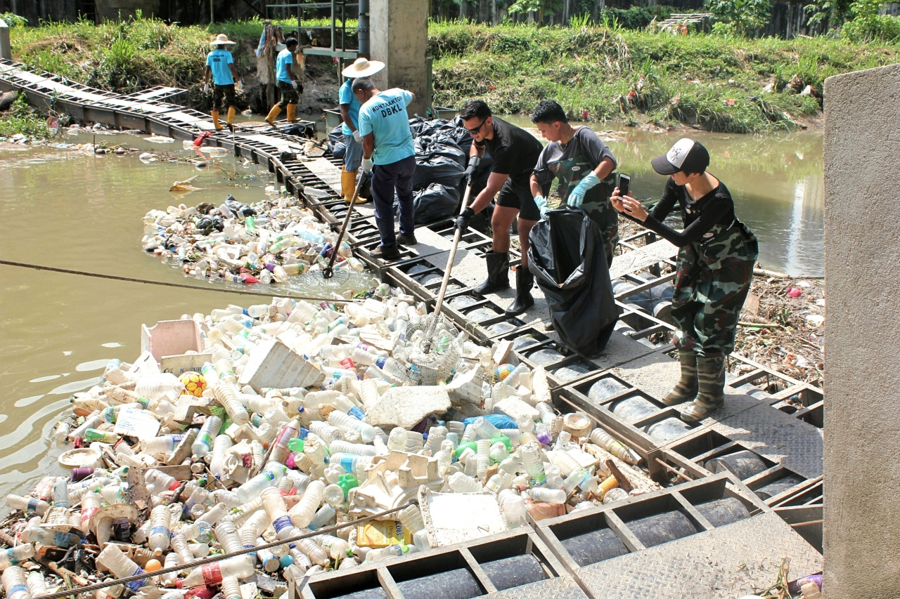 Here's Why It Costs RM6mil To Clean The Klang River Every Year