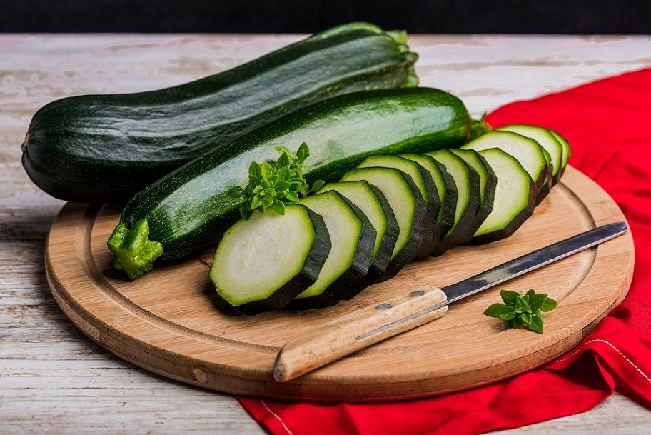 Low-Carb Snack: Zucchini Chips