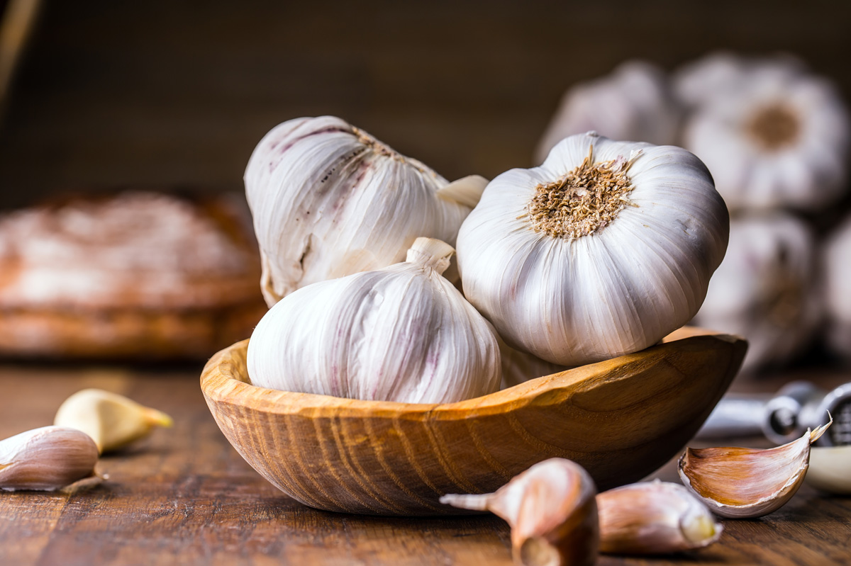 The Raw Benefits of Garlic