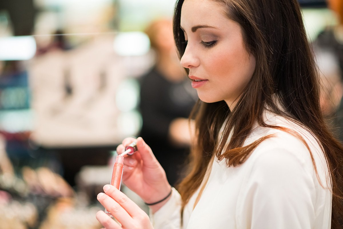 6 Chemicals To Avoid In Cosmetics