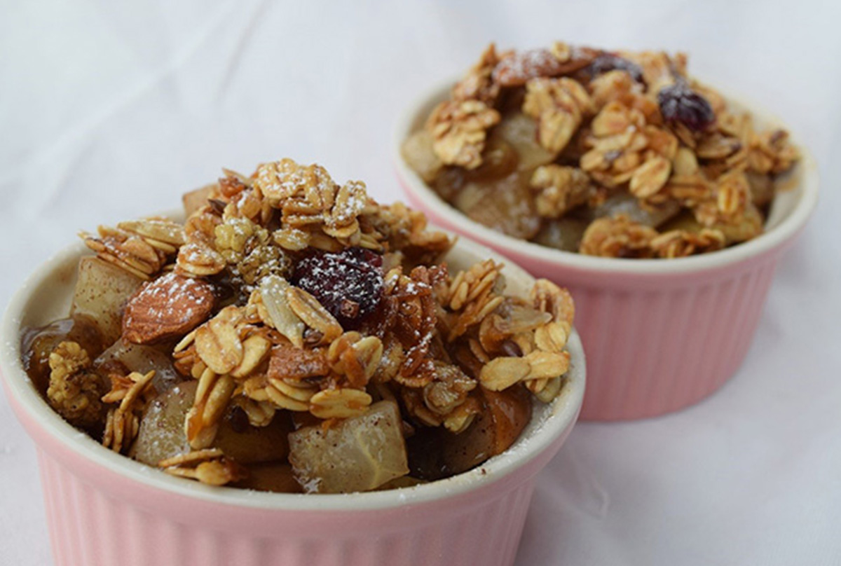 Easy Vegan Pear Cranberry Crumble